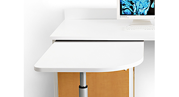 Ergonomic height allows the entire OR staff to comfortably use the station.